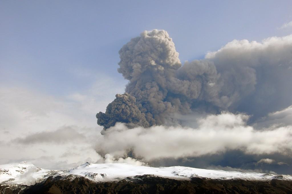Es fällt nicht schwer sich vorzustellen, welche Auswirkungen allein die Aschewolken des Eyjafjallajökull auf die Umwelt und den Flugverkehr haben.