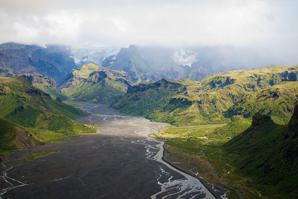 Der Thorsmörk (Þórsmörk) ist der bewaldete Bergrücken zwischen den Gletschern Tindfjallajökull und Eyjafjallajökull.