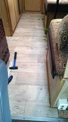Der PVC auf dem Kork, als Vorlage diente übrigns der alte Teppich.